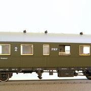 Wagon osobowy 2 kl Bi (Roco 45568)